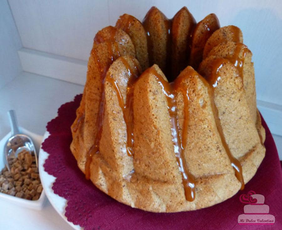 Bundt-cake de Sirope de Arce con salsa de caramelosalado