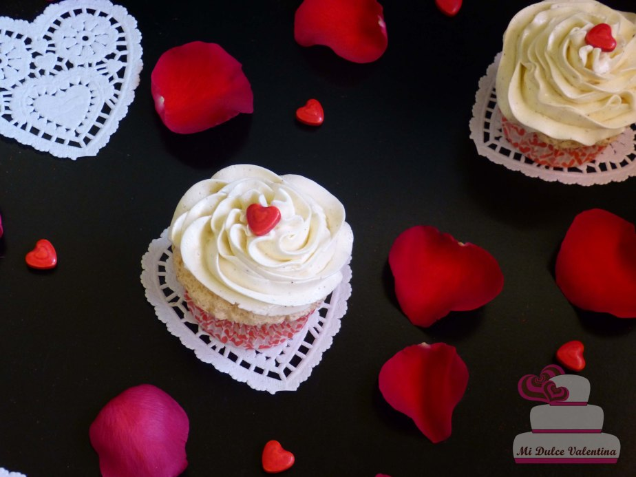ANGEL FOOD CUPCAKES POR SAN VALENTIN