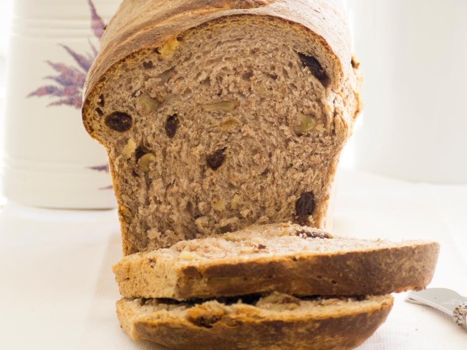 Pan de Molde Integral con Nueces yPasas
