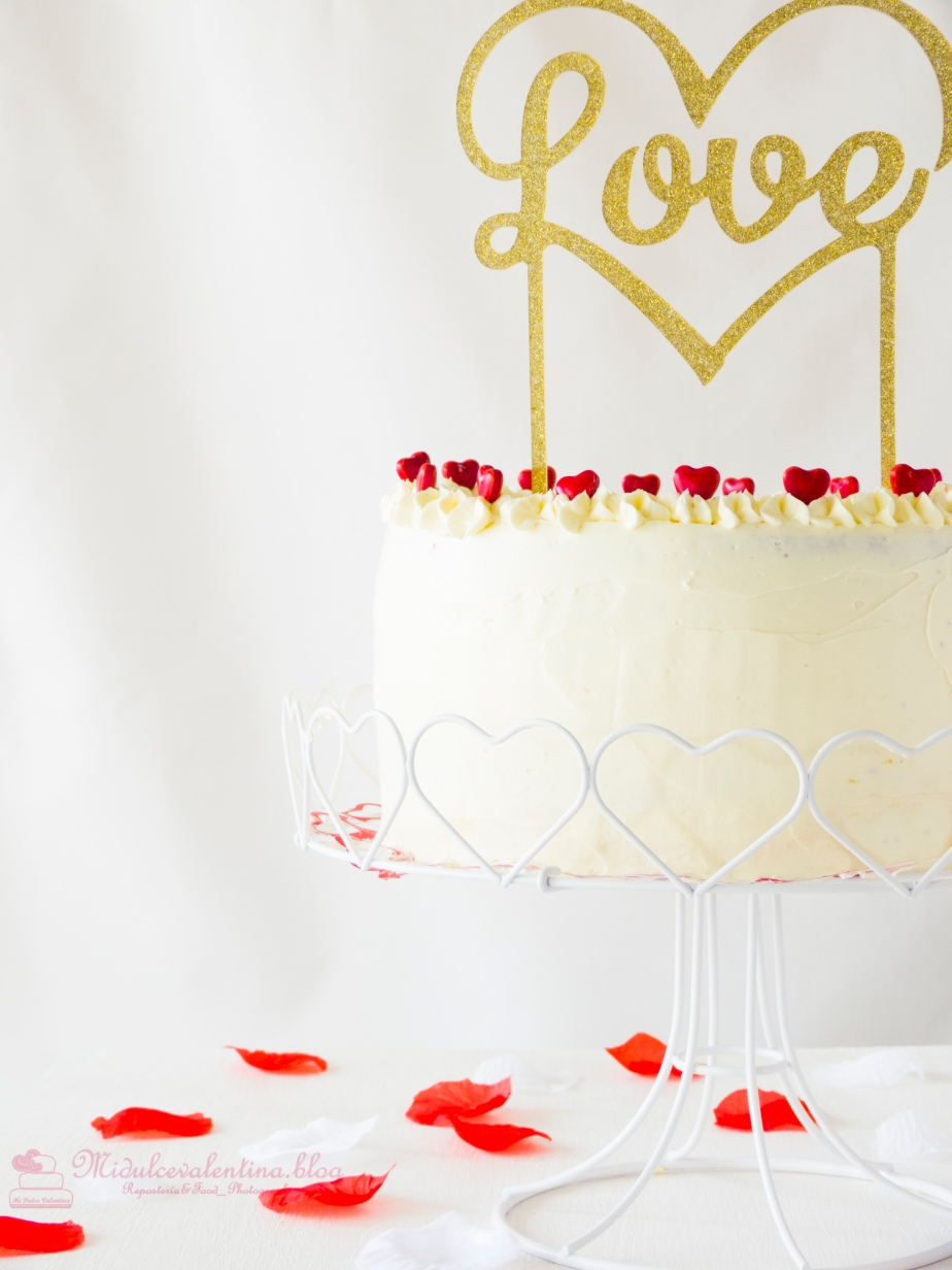 RED VELVET LAYER CAKE & CHESSECAKE DE CHOCOLATE BLANCO