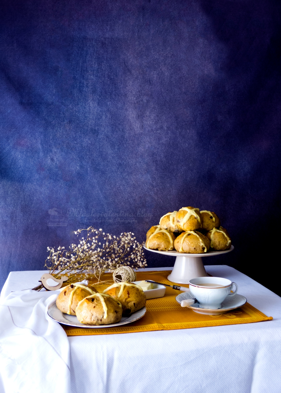 HOT CROSS BUNS CON CRUZ DE CREMA PASTELERA